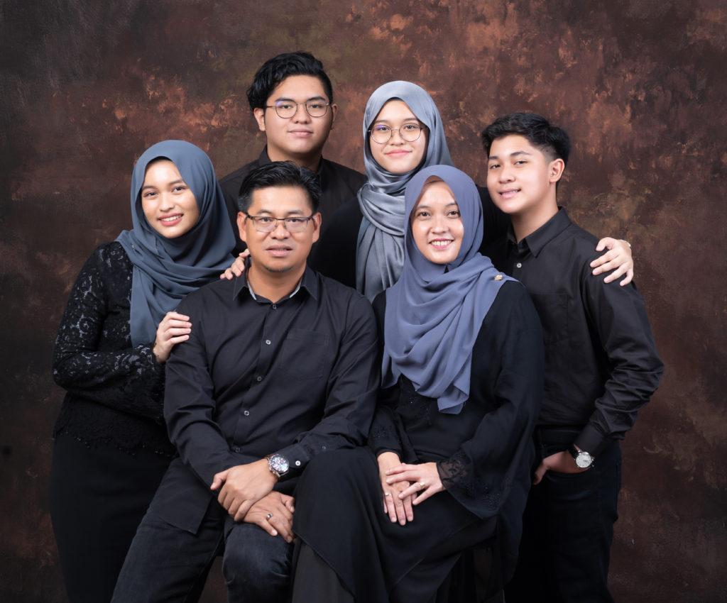 Family Portrait In Studio 9